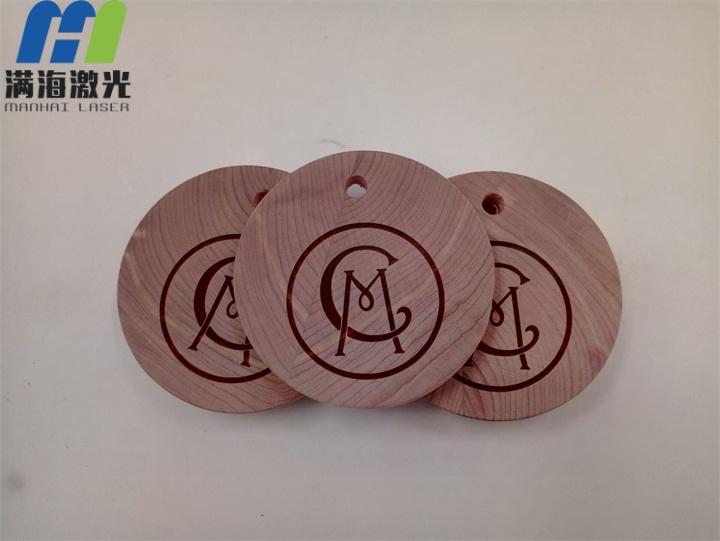 圆木挂牌激光刻字加工