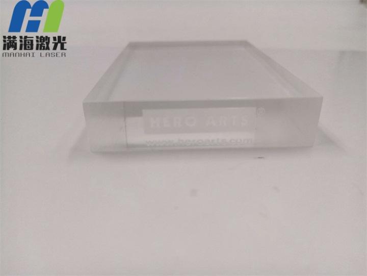 有机玻璃板商标字体激光雕刻