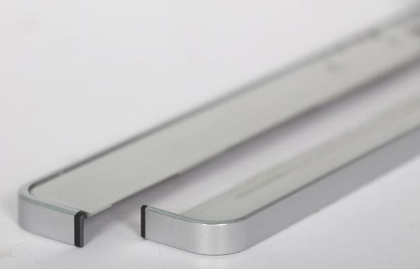 惠普笔记本电脑天线盖旋转打标