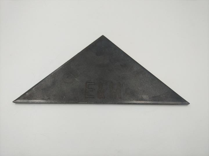 三角形形铁板激光打标