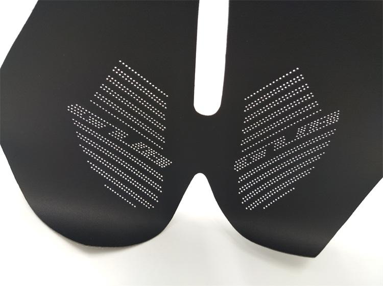 山地自行车皮质座垫激光打孔
